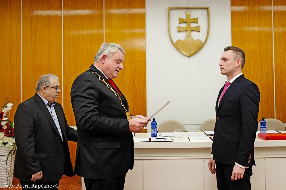8a11f407d Aktuality - Z ustanovujúceho mestského zastupiteľstva - Oficiálna ...